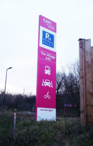 "Totem de signalisation du parking covoiturage CAPI ""The VIllage A43"""